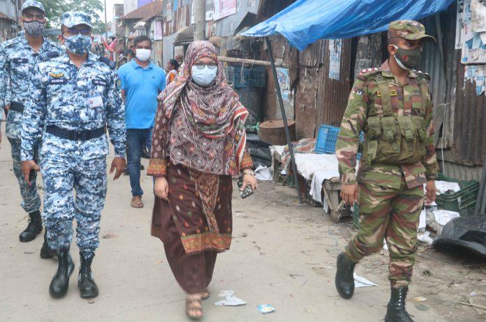 বাংলাদেশ বিমান বাহিনী, সেনা বাহিনী ও পুলিশ বাহিনী নিয়ে অভিযান পরিচালনা করেন উপজেলা সহকারী কমিশনার (ভ'মি) সাজিয়া শাহানাজ তমা